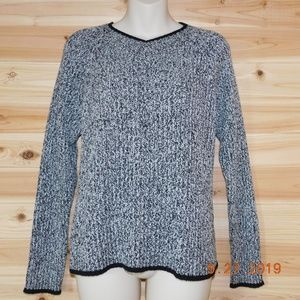 Carolyn Taylor black/white marled sweater soft M